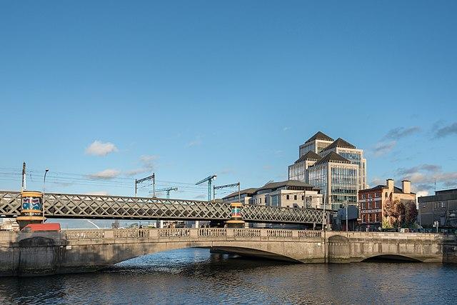 640px-Butt_Bridge_-_Dublin,_Ireland_-_August_18,_2017